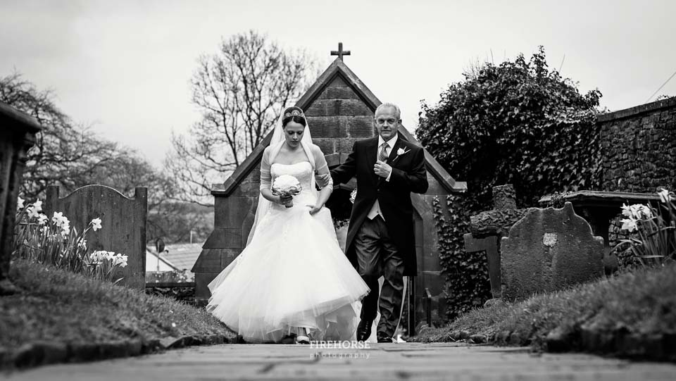 Jervaulx-Abbey-Marquee-Wedding-Photography-046