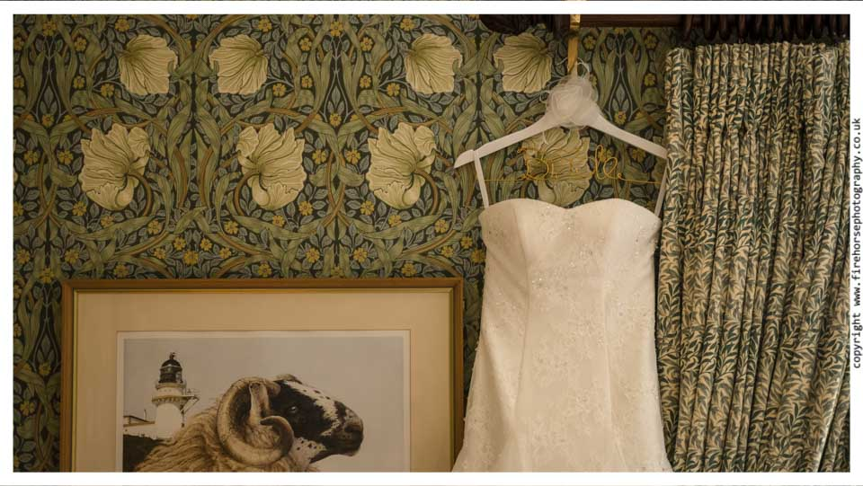 Devonshire-Arms-Wedding-Photography-004