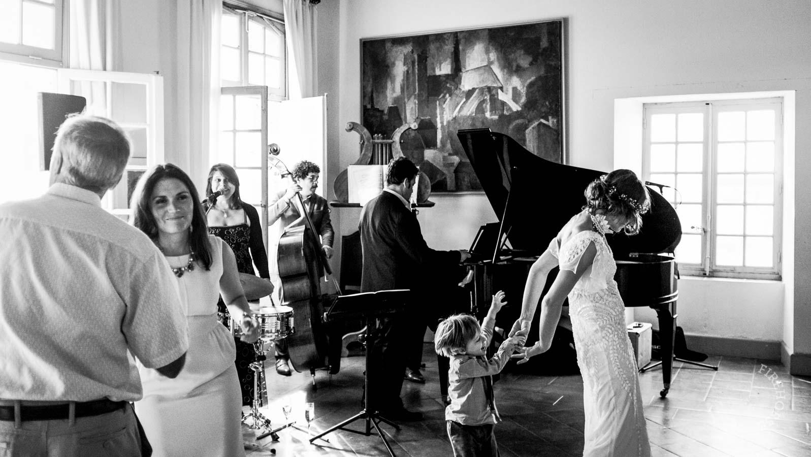 castelnau-des-fieumarcon-wedding-31