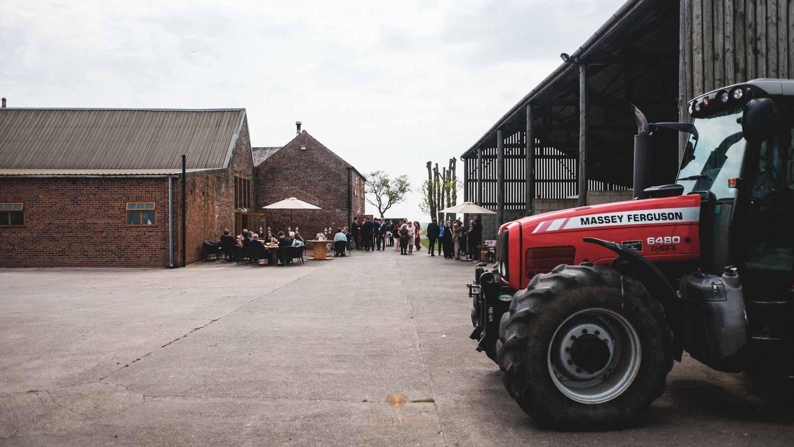 Barn-Wedding--21