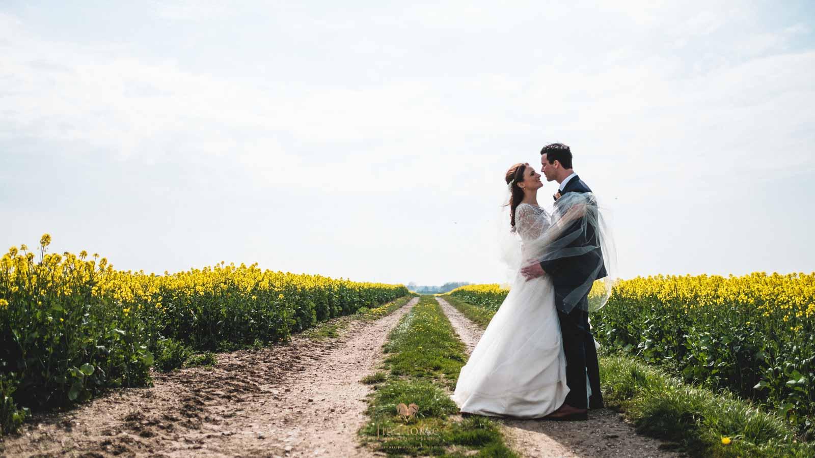 Barn-Wedding--23